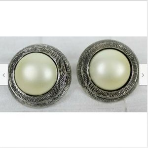 VTG 80s Silver Faux Pearl Clip-On Earrings Chunky